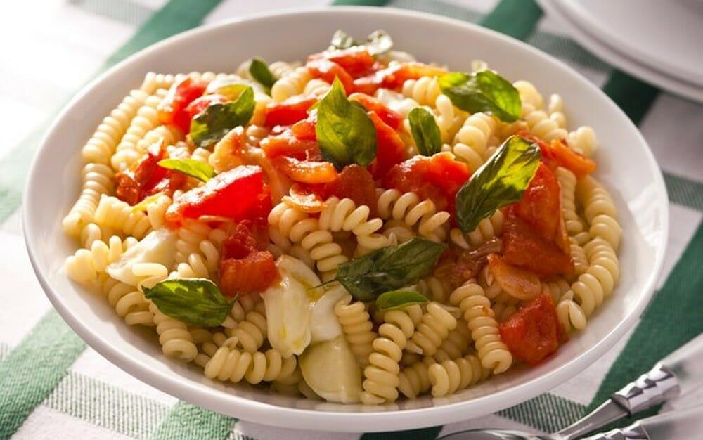 """Featured image for """"Receita de Salada Italiana com Tomate Vero"""""""